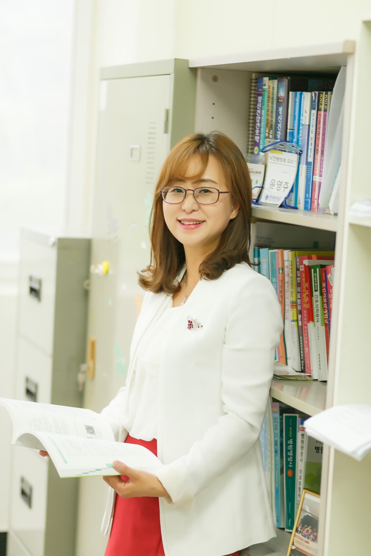 윤영주-교수님-사진